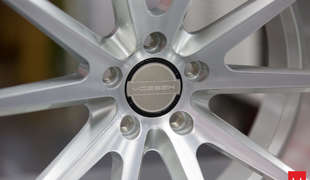 Vossen VFS-1: Цвет Silver Brushed